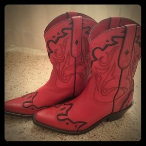Women's Red/Black Cowgirl boots Size 6